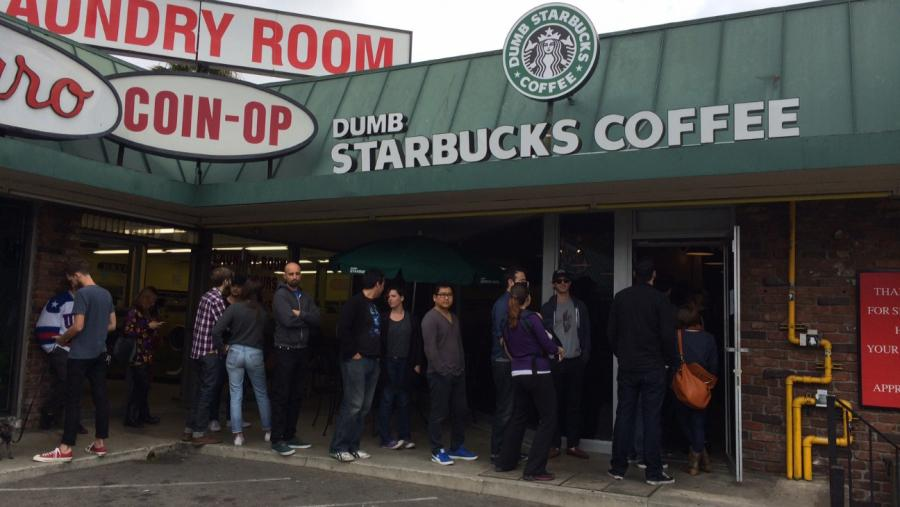洛杉磯「垃圾星巴克」大热 被投诉侵权仅开张一日